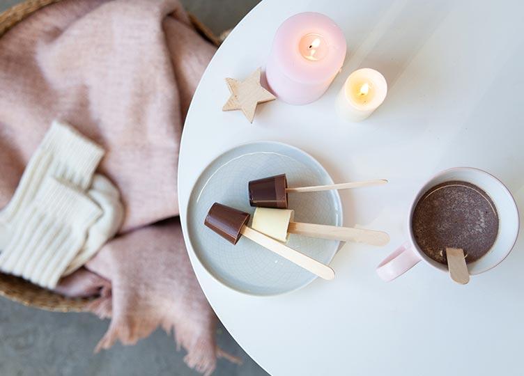 Heiße Bio-Schokolade am Stil
